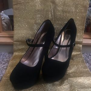 *Charlotte Russe* Penelope Black high heel shoes